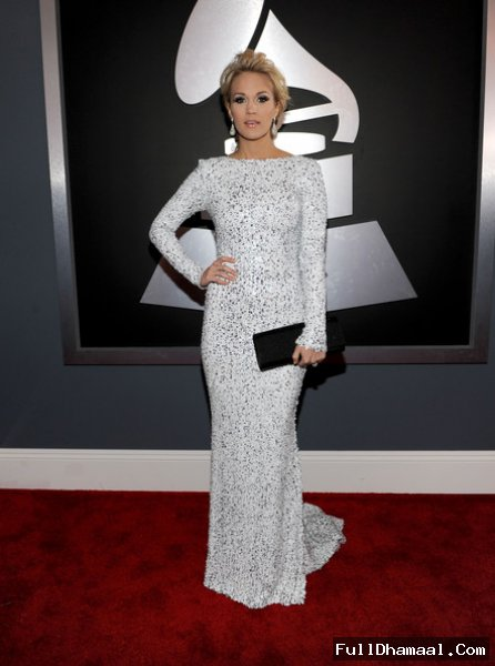Carrie Underwood On Red Carpet Los Angeles
