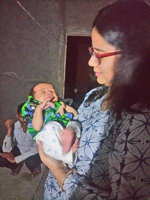 Sadaf with baby 2