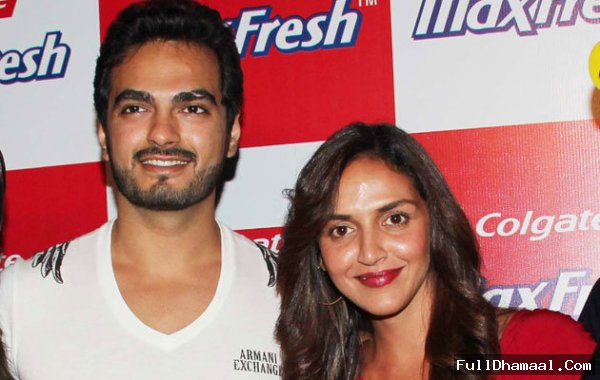 Engagement Picture Of Esha Deol And Bharat Takhtani